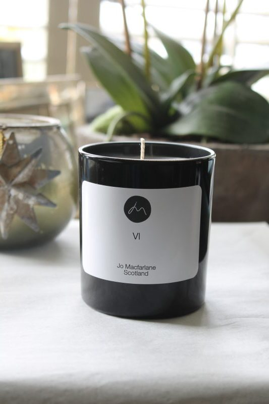 VI Luxury Candle