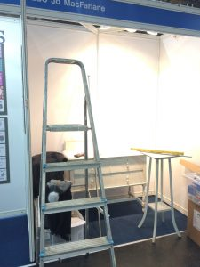 Stand Building